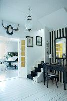 Bildnr.: 11017691<br/><b>Feature: 00790027 - Klare Kontraste</b><br/>Haus eines Fotografen in Gustafs, Schweden<br />living4media / Bj&#246;rnsdotter, Magdalena