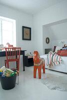 Bildnr.: 11017703<br/><b>Feature: 00790027 - Klare Kontraste</b><br/>Haus eines Fotografen in Gustafs, Schweden<br />living4media / Bj&#246;rnsdotter, Magdalena