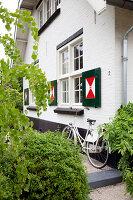 Bildnr.: 11006625<br/><b>Feature: 00790114 - Spiel der Kontraste</b><br/>A country house belonging to an interior designer, Niederlande<br />living4media / Claessens, Bieke