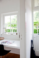 Bildnr.: 11006647<br/><b>Feature: 00790114 - Spiel der Kontraste</b><br/>A country house belonging to an interior designer, Niederlande<br />living4media / Claessens, Bieke