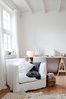Bildnr.: 11006655<br/><b>Feature: 00790114 - Spiel der Kontraste</b><br/>A country house belonging to an interior designer, Niederlande<br />living4media / Claessens, Bieke