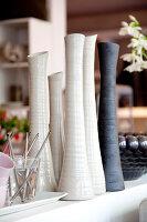 Bildnr.: 11006683<br/><b>Feature: 00790114 - Spiel der Kontraste</b><br/>A country house belonging to an interior designer, Niederlande<br />living4media / Claessens, Bieke