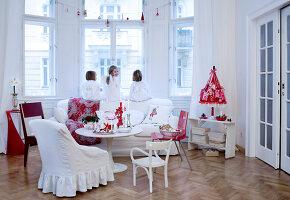 Bildnr.: 11074331<br/><b>Feature: 00790199 - Weihnachten in Wien</b><br/>Weihnachten ist ein Bastelfest f&#252;r die Familie M&#252;ller<br />living4media / Bauer, Christine