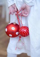 Bildnr.: 11074341<br/><b>Feature: 00790199 - Weihnachten in Wien</b><br/>Weihnachten ist ein Bastelfest f&#252;r die Familie M&#252;ller<br />living4media / Bauer, Christine