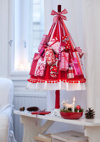 Bildnr.: 11074345<br/><b>Feature: 00790199 - Weihnachten in Wien</b><br/>Weihnachten ist ein Bastelfest f&#252;r die Familie M&#252;ller<br />living4media / Bauer, Christine