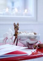 Bildnr.: 11074363<br/><b>Feature: 00790199 - Weihnachten in Wien</b><br/>Weihnachten ist ein Bastelfest f&#252;r die Familie M&#252;ller<br />living4media / Bauer, Christine
