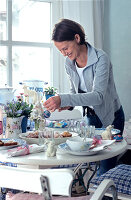 Bildno.: 11032429<br/><b>Feature: 00790201 - Happy Easter!</b><br/>Decorating your home for Easter<br />living4media / Bauer, Christine