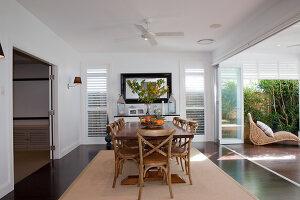 Bildno.: 11018601<br/><b>Feature: 11018591 - Relaxed but stylish</b><br/>Hamptons style beach house near Palm Beach<br />living4media / Bayside