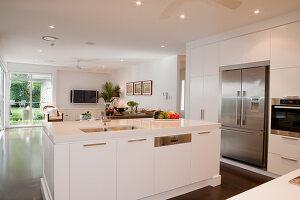 Bildno.: 11018631<br/><b>Feature: 11018591 - Relaxed but stylish</b><br/>Hamptons style beach house near Palm Beach<br />living4media / Bayside