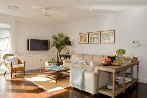 Bildno.: 11018637<br/><b>Feature: 11018591 - Relaxed but stylish</b><br/>Hamptons style beach house near Palm Beach<br />living4media / Bayside