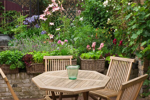 Bildno.: 11053587<br/><b>Feature: 11053585 - Private Paradise</b><br/>City garden in London<br />living4media / Burgess, Linda