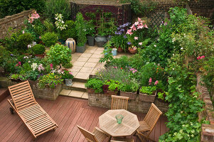 Bildno.: 11053591<br/><b>Feature: 11053585 - Private Paradise</b><br/>City garden in London<br />living4media / Burgess, Linda