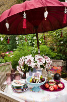 Bildno.: 11053607<br/><b>Feature: 11053585 - Private Paradise</b><br/>City garden in London<br />living4media / Burgess, Linda