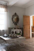 Bildno.: 11061573<br/><b>Feature: 11061397 - New Aristocracy</b><br/>Elegantly furnished home in downtown G&#233;n&#233;rac<br />living4media / Madamour, Christophe