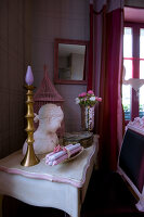 Bildno.: 11062039<br/><b>Feature: 11061984 - A Passion for Patina</b><br/>Charming home decorated in &#39;shabby-chic&#39; in the Loire<br />living4media / Madamour, Christophe