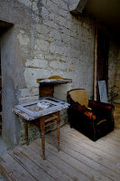 Bildno.: 11062119<br/><b>Feature: 11061984 - A Passion for Patina</b><br/>Charming home decorated in &#39;shabby-chic&#39; in the Loire<br />living4media / Madamour, Christophe