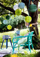 Bildno.: 11066111<br/><b>Feature: 11066110 - Lantern Light</b><br/>Paper lanterns add ambiance and drama to any party<br />living4media / Bauer, Christine