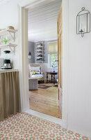Bildnr.: 11126107<br/><b>Feature: 11126103 - Gr&#252;n(d)lich dekoriert</b><br/>Gr&#252;n in allen Varianten verziert ein Haus in Norwegen<br />living4media / Nordstrom, Annette
