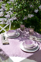 Bildno.: 11126205<br/><b>Feature: 11126197 - Lilac and Leisure</b><br/>Lilacs and the scent of summer<br />living4media / Nordstrom, Annette