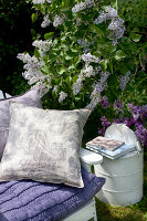 Bildno.: 11126209<br/><b>Feature: 11126197 - Lilac and Leisure</b><br/>Lilacs and the scent of summer<br />living4media / Nordstrom, Annette
