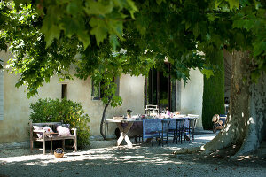 Bildno.: 11136465<br/><b>Feature: 11136451 - Bastide La Garance</b><br/>B &amp; B in beautiful Provence<br />living4media / Madamour, Christophe