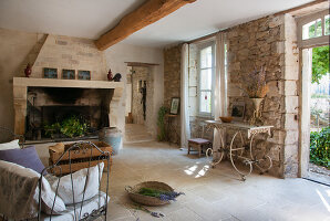 Bildno.: 11136539<br/><b>Feature: 11136451 - Bastide La Garance</b><br/>B &amp; B in beautiful Provence<br />living4media / Madamour, Christophe