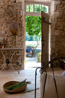 Bildno.: 11136553<br/><b>Feature: 11136451 - Bastide La Garance</b><br/>B &amp; B in beautiful Provence<br />living4media / Madamour, Christophe