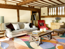 Bildno.: 11147363<br/><b>Feature: 11147357 - Link to the Past</b><br/>Refurbishing a 15th century farm house in Kent<br />living4media / Smith, Rachael