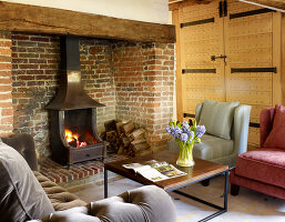 Bildno.: 11147367<br/><b>Feature: 11147357 - Link to the Past</b><br/>Refurbishing a 15th century farm house in Kent<br />living4media / Smith, Rachael
