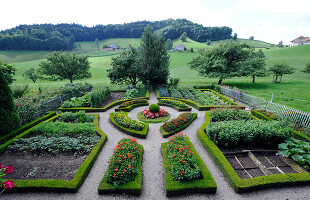 Bildno.: 11156055<br/><b>Feature: 11156046 - A Vision of Versailles</b><br/>French-style garden in Emmental, Switzerland<br />living4media / Hug, Karl-Heinz