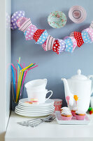 Bildno.: 11182955<br/><b>Feature: 11182929 - Party Fun</b><br/>Decorating ideas using cup cake tin liners<br />living4media / Taube, Franziska