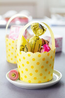 Bildno.: 11182959<br/><b>Feature: 11182929 - Party Fun</b><br/>Decorating ideas using cup cake tin liners<br />living4media / Taube, Franziska