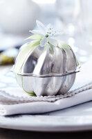 Bildno.: 11182985<br/><b>Feature: 11182973 - Beyond Baking</b><br/>Decorating ideas using baking pans<br />living4media / Taube, Franziska