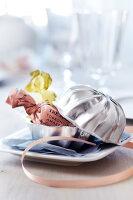 Bildno.: 11182989<br/><b>Feature: 11182973 - Beyond Baking</b><br/>Decorating ideas using baking pans<br />living4media / Taube, Franziska