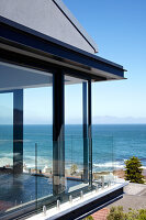 Bildno.: 11183117<br/><b>Feature: 11183078 - Home with a View</b><br/>Major rebuild in Cape Town, South Africa<br />living4media / Scarboro, Simon