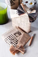 Bildno.: 11194785<br/><b>Feature: 11194750 - New Tricks for Old News</b><br/>Great decorating ideas using newspaper<br />living4media / Taube, Franziska