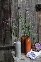Bildnr.: 11194997<br/><b>Feature: 11194991 - Deko in Aubergine</b><br/>Was der Bauerngarten an Deko hergibt<br />living4media / Raider, Peter