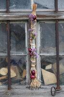 Bildnr.: 11195013<br/><b>Feature: 11194991 - Deko in Aubergine</b><br/>Was der Bauerngarten an Deko hergibt<br />living4media / Raider, Peter