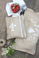 Bildno.: 11195059<br/><b>Feature: 11195046 - Sackcloth and String</b><br/>Great things for the garden made of simple materials<br />living4media / Raider, Peter