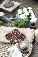 Bildno.: 11195067<br/><b>Feature: 11195046 - Sackcloth and String</b><br/>Great things for the garden made of simple materials<br />living4media / Raider, Peter