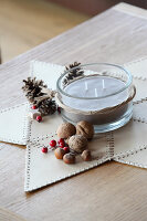 Bildno.: 11197541<br/><b>Feature: 11197527 - Christmas Naturally</b><br/>Natural materials create an elegantly simple holiday look<br />living4media / Raider, Peter
