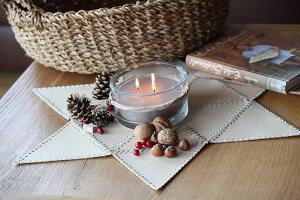 Bildno.: 11197543<br/><b>Feature: 11197527 - Christmas Naturally</b><br/>Natural materials create an elegantly simple holiday look<br />living4media / Raider, Peter
