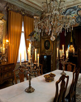 Bildno.: 11213065<br/><b>Feature: 11213061 - Staged for Living</b><br/>Stage designer&#39;s Baroque apartment in Vienna<br />living4media / von Oswald, Yvonne