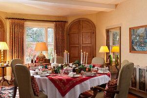 Bildnr.: 11216249<br/><b>Feature: 11216227 - Wo Weihnachten wohnt</b><br/>Klassisch dekoriertes Landhaus in Nottinghamshire, England<br />living4media / von Einsiedel, Andreas