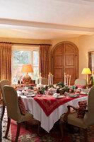 Bildnr.: 11216251<br/><b>Feature: 11216227 - Wo Weihnachten wohnt</b><br/>Klassisch dekoriertes Landhaus in Nottinghamshire, England<br />living4media / von Einsiedel, Andreas