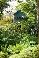 Bildno.: 11223683<br/><b>Feature: 11223659 - Green and Grand</b><br/>Romantic garden in Limburg, Belgium<br />living4media / Pietrek, Sibylle