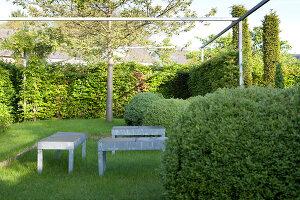 Bildnr.: 11223731<br/><b>Feature: 11223710 - Formvollendet</b><br/>Heerenhof, ein idyllischer Garten in Maastricht<br />living4media / Pietrek, Sibylle