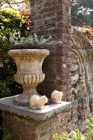 Bildno.: 11223841<br/><b>Feature: 11223835 - Woman's Touch</b><br/>Lush garden in the Netherlands<br />living4media / Pietrek, Sibylle