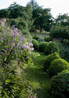Bildno.: 11231481<br/><b>Feature: 11231447 - An Old Fashioned Garden</b><br/>Franconian garden is a dream that took decades to realize<br />living4media / Bauer, Christine