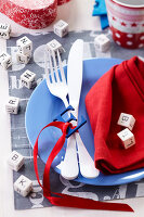 Bildnr.: 11276827<br/><b>Feature: 11276785 - Buchstaben-Salat</b><br/>Mit Buchstaben dekorieren<br />living4media / Taube, Franziska